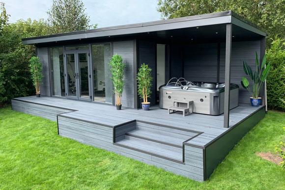 Hot Tub Garden Studio Leicester